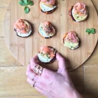 Pancakes de patate douce et saumon fumé pour les fêtes